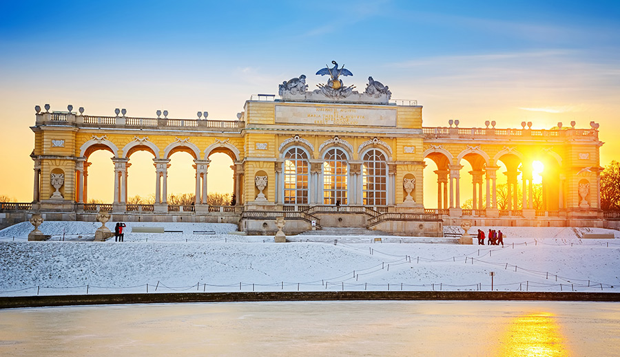 Café Gloriette in winter
